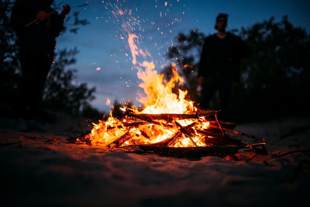 How To Build A Campfire: A Step-by-step Guide - Project ...
