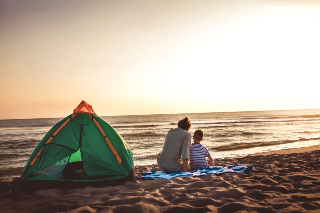 5 Best Beach Tents - Cool Shade for Relaxing on the Hot ...
